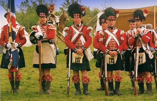 What sort of uniforms did soldiers belonging to Scottish ...