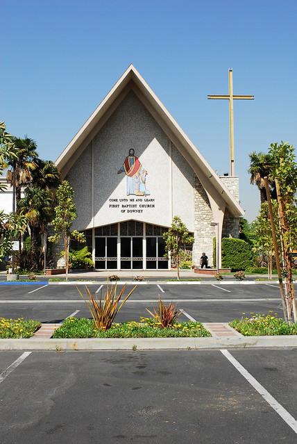 First Baptist Church - Texarkana Texas - The Concord Chapel And Sanctuary Choirs - God Bless America