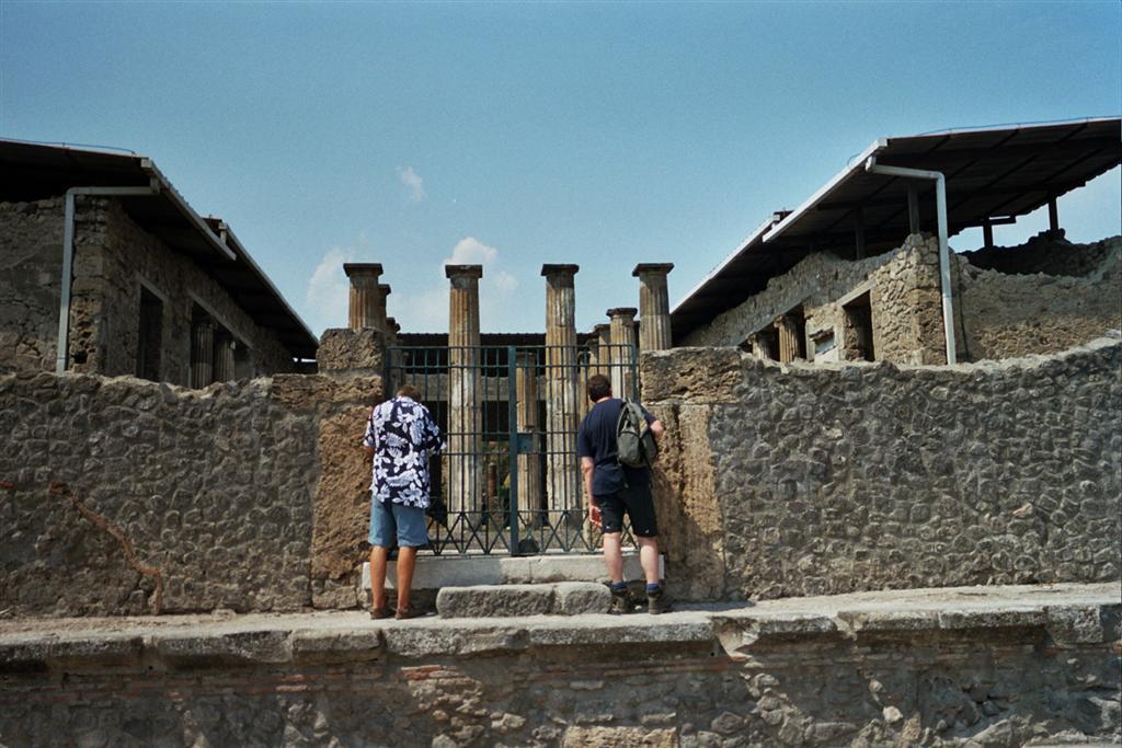 Casa del Fauno pompeya - 2513214461 cb36581f74 o - Pompeya, donde el tiempo se detuvo en un instante