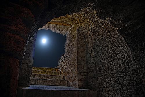 contre lune Arênes Nimes