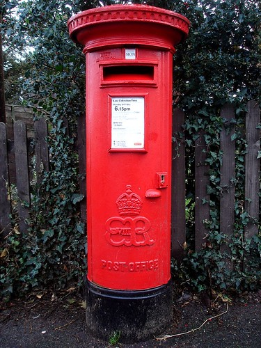 EX2 369 Exeter's only Edward VIII pillar box!