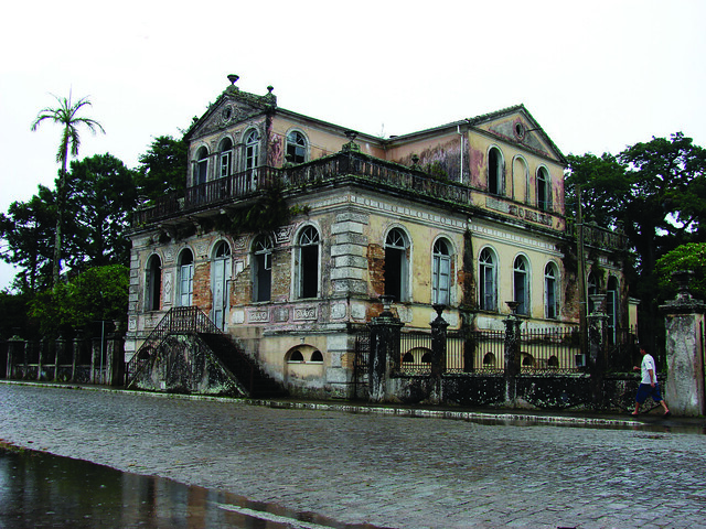 Old Abandoned Mansions for Sale http://www.flickr.com/photos/fabio_souza/2264743805/
