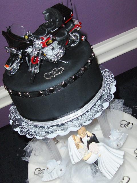 biker wedding cake flickr photo sharing. Black Bedroom Furniture Sets. Home Design Ideas