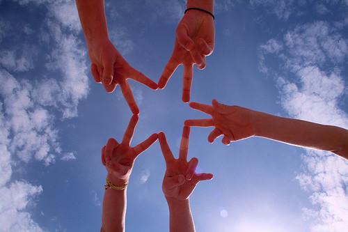 Five hands making a star shape - 無料写真検索fotoq