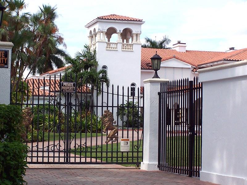 star island gated entrance