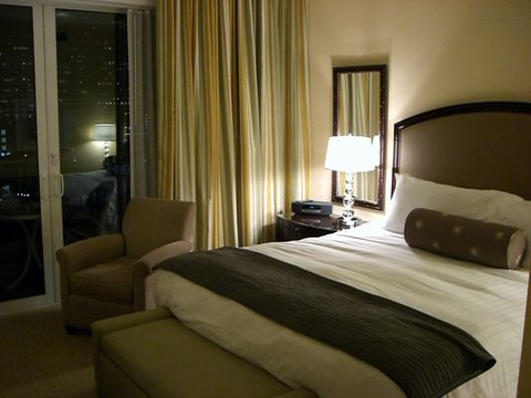 Photo:Hotel Room By:MoToMo
