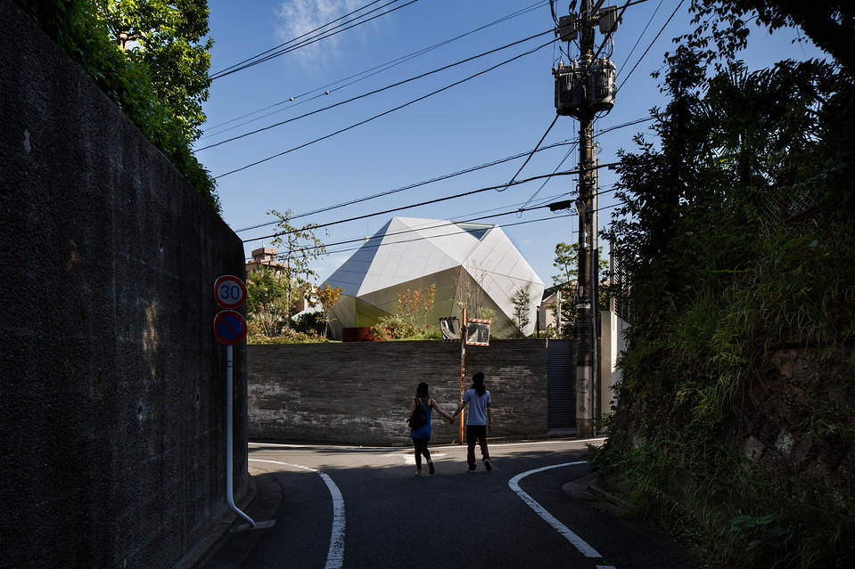 住宅密度大於高度,東京建築「怪宅」林立7