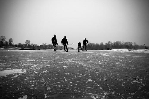 Shinny Hockey the Austrian Way