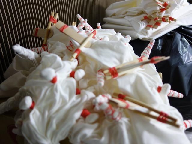 綁好的成品長成這樣,完全無法想像會變什麼樣子啊!好緊張!@鳳林鎮花手巾工坊