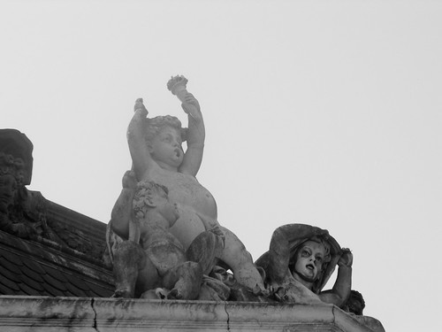 quando as estátuas não falam