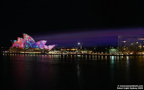"Panorama - ""Luminous"" light projected onto Sydney Opera House"