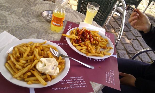 eerste frietje in België :)