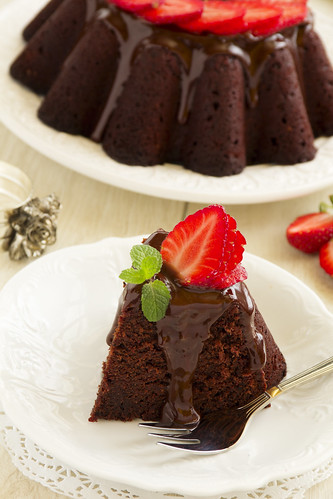 Chocolate cake with strawberries.