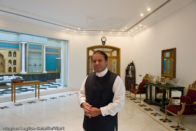 Nawaz Sharif Home in Lahore http://www.flickr.com/photos/hughes_leglise/2183337272/
