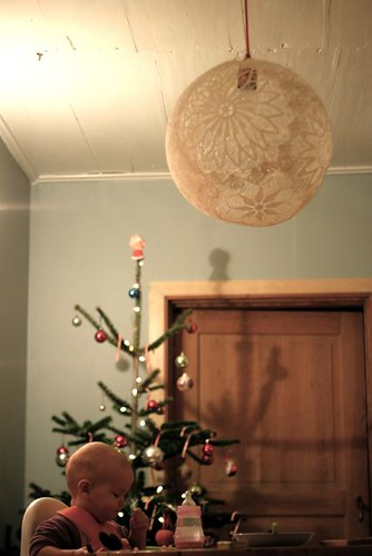 Guest room diy lighting ideas welcome to heardmont for Doily light fixture