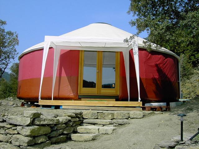 y10 209 une yourte contemporaine de 68 m usage d 39 habita flickr photo sharing. Black Bedroom Furniture Sets. Home Design Ideas