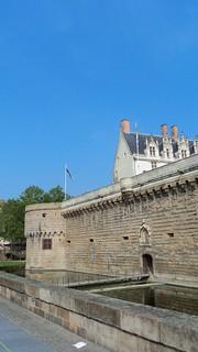 Image of Château des Ducs de Bretagne. cedric biennais loire à vélo bike trip bicicleta bicycleta cyclotouriste eurovelo eurovélo atlantique 44 nantes chateau des ducs de bretagne french france countryside