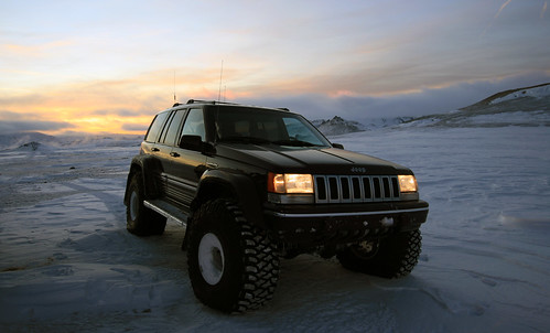 "38""Grand Cherokee Off roading in Iceland"