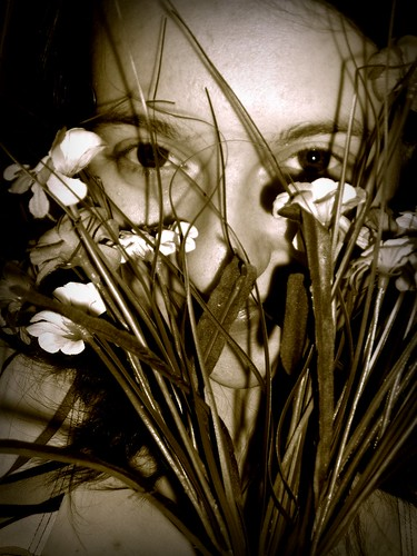 flowers selfportrait green face self devin maine olive fake tint coolpix february 2008 sanford springvale devinlynnx