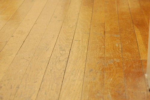 2503871942 bffdf419d2 DIY: Creative Wooden Floors
