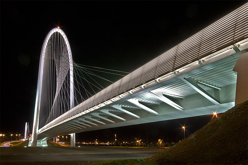Complesso di Santiago Calatrava a RE - Ponte Nord [Santiago Calatrava bridge at a local highway exit - North section]