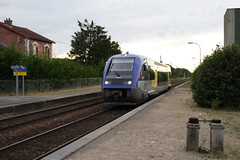 20080623 013 Crépy-Couvron. X73795 Arrives With TER 848667 To Laon, Presumably From Amiens