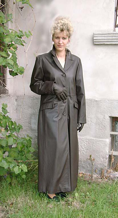 lady long leather trench coat a photo on flickriver. Black Bedroom Furniture Sets. Home Design Ideas