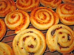 schnecken(1.0), baked goods(1.0), cinnamon roll(1.0), food(1.0), dish(1.0), cuisine(1.0), snack food(1.0), danish pastry(1.0),