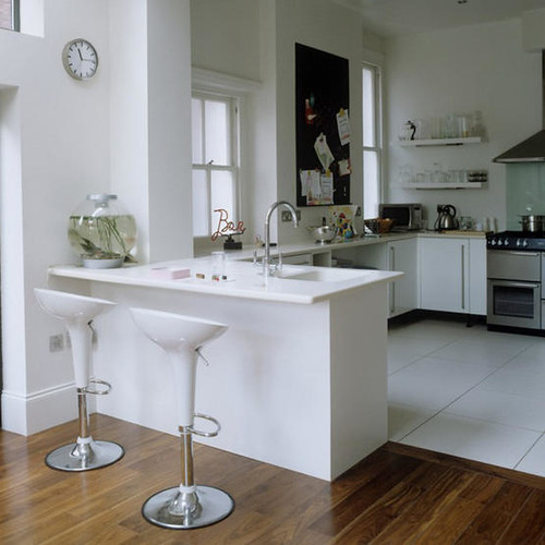 Suites With Kitchens And Living Rooms In New Castle De
