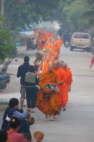 geotagged buddhism laos luangprabang 2007 almsgiving geo:lat=19896262378813 geo:lon=1021429460328445