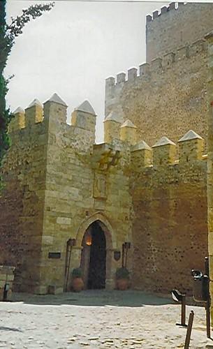 Ciudad Rodrigo Parador entrance.jpg