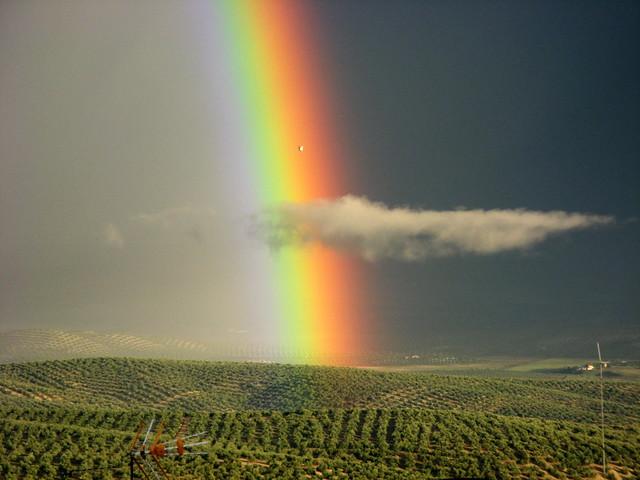 Nubes y arco iris