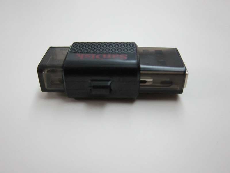 SanDisk Ultra Dual USB Drive - Side