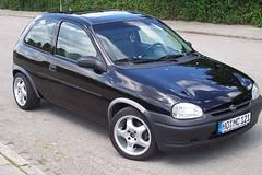 automobile(1.0), opel(1.0), vehicle(1.0), city car(1.0), land vehicle(1.0), hatchback(1.0),