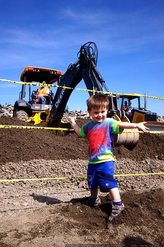 sequoia likes this digger    MG 3813