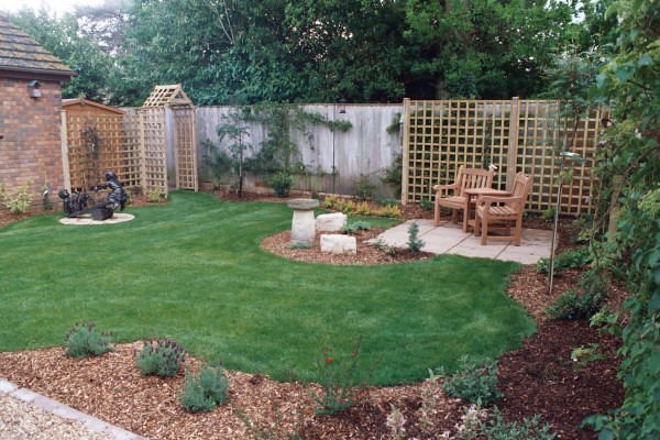 Small Back Yard Landscaping Ideas 500 x 333