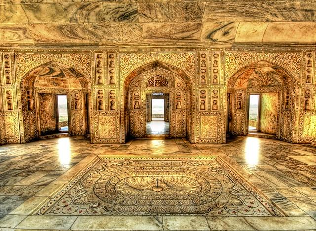 【世界遺産】イスラムとヒンドゥーが交わる幻の都「ファテープル・シークリー」