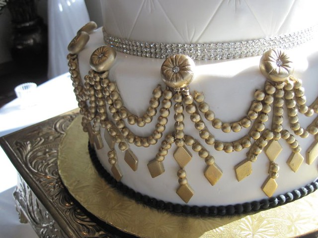 Gold and Bling wedding cake Close up of the pearl detail