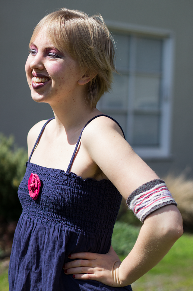 dark blue tank top with pink silk rose brooch