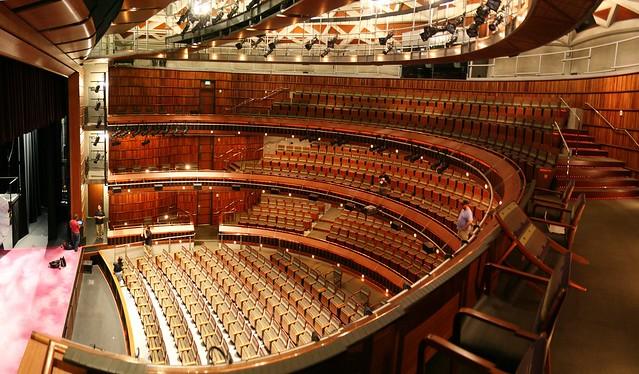 28+ balcony theatre 966195874 1edfe4a17f z jpg,theater balco.