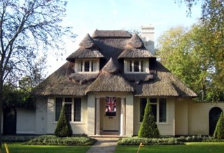 Thatched Cottage With Union Jacket