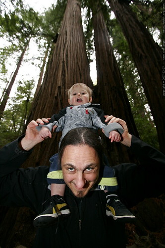 sean & sequoia under the heritage grove redwood trees    MG 7973