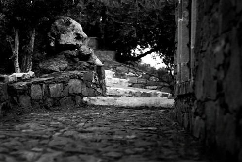 Old alley in Arolithos (B&W version)