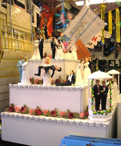mini wedding cakes seattle tour archie mcphee seattle 17429