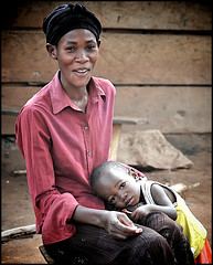 The faces of Kampala - mother & child in gaba