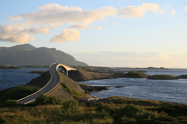 Do you like to  drive trough beautiful scenery on excellent roads? Try Atlantic Road bridge Norway!