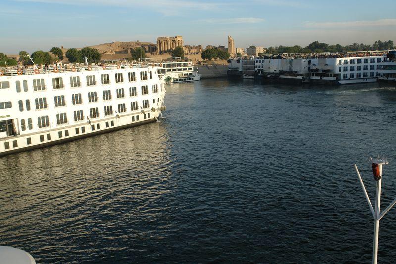Barcos atracando frente al templo de Kom Ombo Templos a la orilla del río Nilo en Egipto - 2474557518 abdb7ecd99 o - Templos a la orilla del río Nilo en Egipto