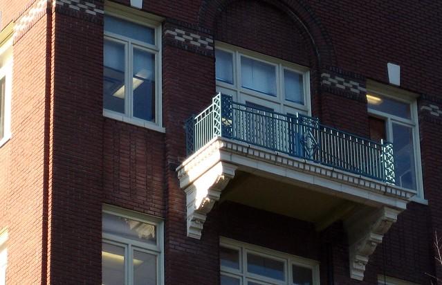 Romeo-like balcony