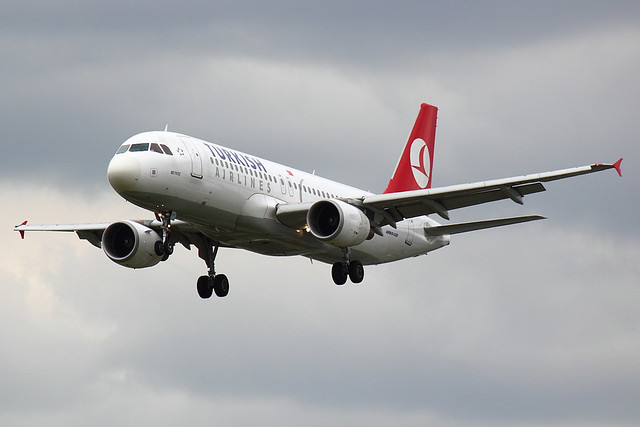 Turkish Airlines - A320 - TC-JPI (1)