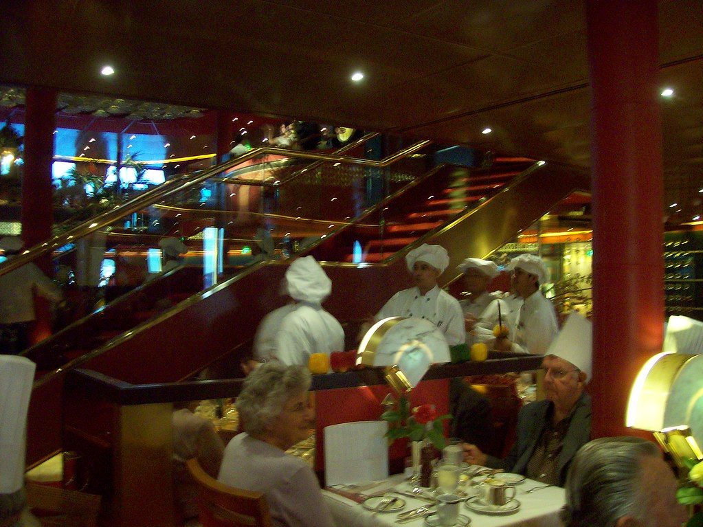 Dining Room Staffs Serves - Veendam